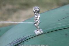Functional hood ornament from the 2011 Hot Rod Magazine Power Tour