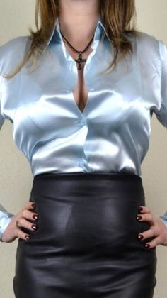 Blouse And Skirt, Blouse Outfit, Satin Bluse, Leather Skirts, Green Satin, Hot Outfits, Satin Dresses, Secretary, Silk Satin