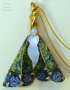 R. Lalique, pendant with chain. Museum of Applied Arts, Budapest.