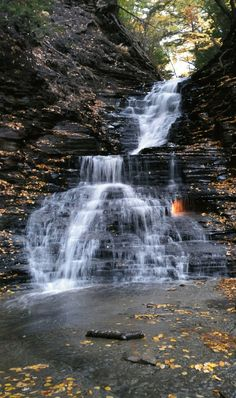Eternal Flame Falls in Orchard Park NY [OC] [1863 x 3142] #reddit