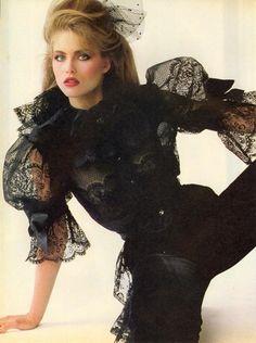 US Vogue June 1980   Paris...An Irresistible Charm!