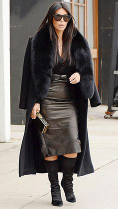 Kim Kardashian's Year of 'Chokers and a Touch of Fur' – Fashion Estilo Kardashian, Kim Kardashian And Kanye, Kardashian Style, Winter Fashion 2015, Winter Fashion Casual, Ny Fashion, Star Fashion, Kim And Kanye, Chic Winter Outfits
