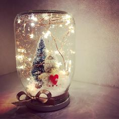 Diy Christmas In A Jar, Paper Christmas Decorations, Diy Christmas Lights, Christmas Centerpieces, Christmas Crafts, Snow Globe Crafts, Diy Weihnachten, Mason Jar Diy, Jar Crafts