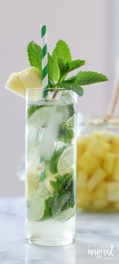 Pineapple Mojito made with homemade pineapple rum. Delicious Pineapple Mojito made with homemade pineapple rum. Summer Cocktails, Cocktail Drinks, Fun Drinks, Cocktail Recipes, Alcoholic Drinks, Beverages, Vodka Mojito, Mojito Recipe, Pineapple Mojito