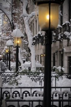 Beautifulness of winter. Snow Lanterns, West Village, New York City photo via lara Winter Szenen, I Love Winter, Winter Magic, Winter Christmas, Winter Night, Christmas Time, Winter Walk, Winter White, Winter Passing