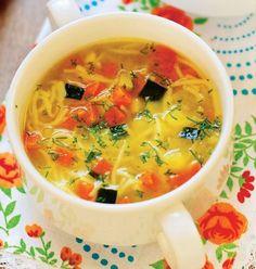 Supa de pui | Retete culinare - Romanesti si din Bucataria internationala Cheeseburger Chowder, Thai Red Curry, Good Food, Soup, Cooking, Ethnic Recipes, Travel, Meal, Cuisine