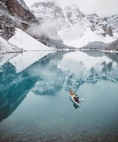 Moraine Lake - Alberta, Canada |Photo by @itsbigben