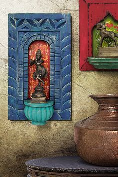 Ethnic Home Decor, Indian Home Decor, Wall Decor Design, Art Decor, Diy Furniture Chair, Antique Wall Decor, Indian Home Design, Wood Background, Hanging Wall Art