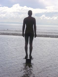I had wanted to see Antony Gormley's statues on Crosby beach for some time.