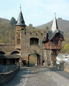 Reichsburg Nordtor, Cochem, Germany 2010 - Cochem