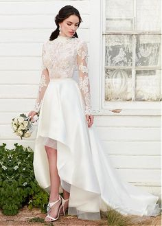 Stunning Tulle High Collar Neckline Hi-lo Wedding Dresses With Lace Appliques