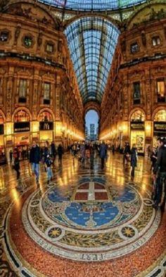 interior galeriaVittorio Emanuel Milan