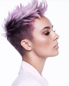 40 New Modern Hair Color Pixie And Bob Short Haircuts For 2019 Short Pixie Haircuts, Cute Hairstyles For Short Hair, Modern Hairstyles, Short Hair Cuts For Women, Short Hair Styles, Short Short Hair, Short Shaved Hairstyles, Super Short Hair, Curly Pixie