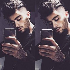 why soo goddamn gorgeous? Zayn Malik Fotos, Zayn Malik Wallpaper, Thalia, Zayn Malik Style, Zayn Mallik, Ex One Direction, Music Competition, Bad Boys, Pose