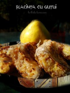 Placinta cu gutui (quince pie)