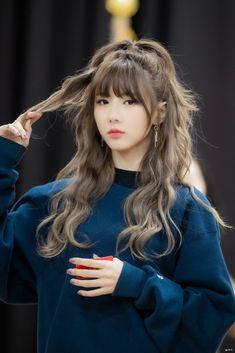 Hairstyles With Bangs, Pretty Hairstyles, Korean Hairstyles, Korean Hairstyle Bangs, Ulzzang Hairstyle, Kpop Hairstyle, Korean Hair Color, Korean Hair Dye, Kpop Hair Color