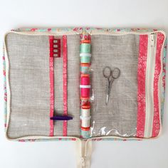 This zipped sewing travel case tutorial will show you how to make your own . Perfect for hand sewing and embroidery on the go, and so fun to make!