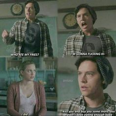 riverdale jughead jones asexuality scenes quotes betty cooper bughead In some of the Archie Comics, Jughead is portrayed as asexual. So why did they go a different route on the show Riverdale? Kj Apa Riverdale, Riverdale Quotes, Riverdale Funny, Meme Comics, Archie Comics, 9gag Funny, Funny Texts, Hilarious Memes, Disney Memes