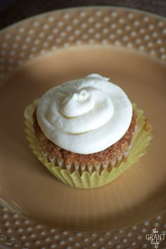 Hummingbird cupcake recipe.  The classic cake takes a smaller form in these hummingbird cupcakes!  So moist and topped with cream cheese frosting!