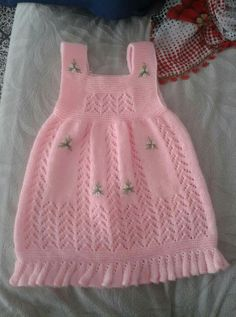 Baby Girl Skirts, Little Girl Dresses, Baby Dress, Diy Crochet Sweater, Knit Crochet, Knitting Machine Patterns, Crochet Baby Clothes, Baby Cardigan, Easy Knitting