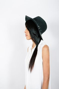 x Wide Brimmed Hats, Green Hats, Love Hat, Cute Hats, Basic Outfits, Bad Hair Day, Fashion Outfits, Fashion Tips, Passion For Fashion