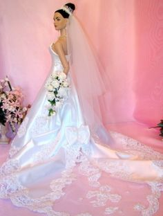 """Wow, this is a striking, awesome bridal gown on our American Model 22"""" uploaded by Ina. #dollchat"""