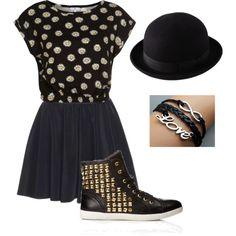 Teenage fashion the hat is like Taylor swift !! Very cute.