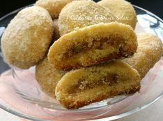 Biscoitos amanteigados recheados com nozes