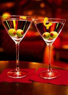 Here's lookin' at you! #MartiniNight #humor  http://www.brioitalian.com/bar_brioso.html?view=full