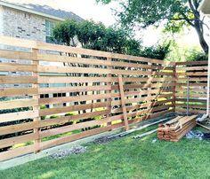 {The Backyard} A New Horizontal Fence (Hi Sugarplum! Diy Backyard Fence, Diy Privacy Fence, Privacy Fence Designs, Patio Fence, Diy Fence, Backyard Landscaping, Fence Ideas, Garden Privacy, Backyard Designs