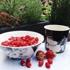 want mummi Raspberry, Strawberry, Fruit, Tableware, Food, Design, Dinnerware, Tablewares, Essen