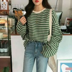 chany boxy striped tee kooding com das beste in koreanischer und globaler mode - The world's most private search engine Korean Fashion Styles, Korean Fashion Fall, Asian Fashion, Korean Style, Korean Fashion Street Style, Korea Style Fashion, Korean Street Styles, Korean Outfits, Mode Outfits