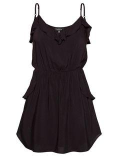 Aritzia dresses are so flattering!
