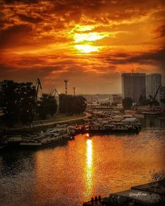 Sunset over Port of Bratislava, Slovakia - Beautiful places for vacation and trip. Bratislava Slovakia, Sunsets, Photo S, Travel Photography, Beautiful Places, Castle, Europe, Celestial, Vacation