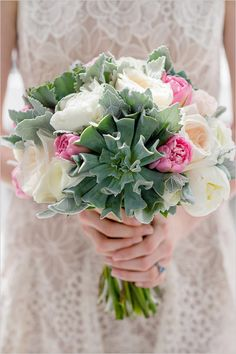 Sunroom Mountain Wedding with real life details. #weddingchicks http://www.weddingchicks.com/2014/08/15/sunroom-mountain-wedding/