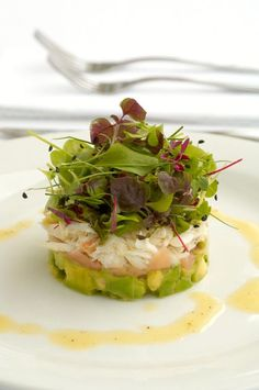 Crab, Avocado, Pickled Ginger and Baby Herbs with Lemon Dijon Vinaigrette - Chef's Pencil Seafood Recipes, Appetizer Recipes, Cooking Recipes, Healthy Recipes, Pickled Ginger, Appetisers, Food Plating, Plating Ideas, Food Design