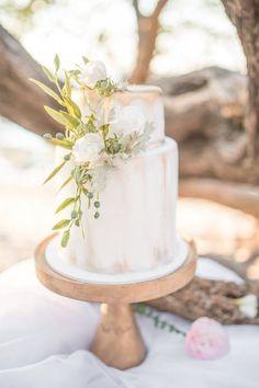 Gold Wedding Cakes Gold painted cake - Destination beach wedding in Costa Rica Wedding Desserts, Wedding Cupcakes, Wedding Decorations, Cake Wedding, Outdoor Wedding Cakes, Wedding Cakes With Flowers, Beautiful Wedding Cakes, Beautiful Cakes, Perfect Wedding