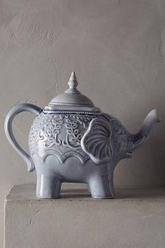 Losin Teapot - anthropologie.com #anthrofave
