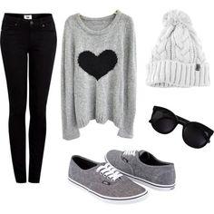 Ti piace questo #outfit comodo e sbarazzino? Vieni a ricrearlo in #store! #Vestidea #stilequotidiano