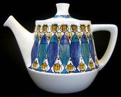 Figgjo Flint (Norway) 'Clupea' Teapot designed by Turi Gramstadt Oliver Vintage Pottery, Vintage Ceramic, Dinnerware Diy, Norway Culture, Pitch, Teapot Design, Tea Infuser, Chocolate Pots, Retro Home
