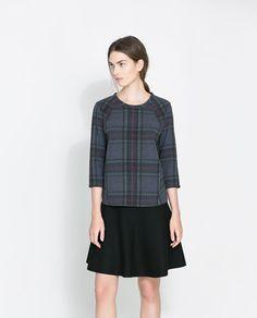 I love this sweatshirt. It looks like a giant scarf. Perfect fall wardrobe piece!