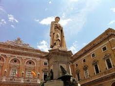 Recanati a soli 7 km distante da Loreto ...visita della Casa Leopardi e Museo del famosissimo tenore Beniamino Gigli