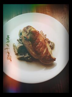 Chicken breast with creamy mushroom & leek sauce