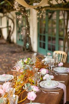 Tropical Wedding. Photo via Project Wedding
