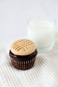 chocolate cupcakes with peanut butter cookie frosting – sweet savory life cookbook