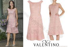 Google Afbeeldingen resultaat voor http://2.bp.blogspot.com/-PIZwRZInZaI/Vei4_WCbVpI/AAAAAAAAwz0/NEx0DDKlkDg/s1600/Crown-Princess-Mary-in-Valentino-Pink%2BLace-Dress.jpg