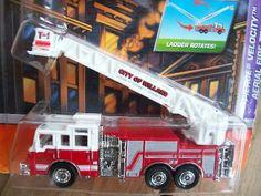 MATCHBOX 2009 PIERCE VELOCITY  AERIAL FIRE TRUCK   FREE SHIPPING!!
