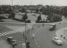 Smakkelaarsbrug-Leidseveer. Links de Leidseweg. Op de achtergrond de Leidseveertunnel onder 't spoor
