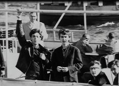 1961 - The Beatles (Paul McCartney, George Harrison, John Lennon and Pete Best). Teddy Boys, Paul Mccartney, Beatles Love, Beatles Photos, John Lennon, The Quarrymen, Young John, The Fab Four, Cultural