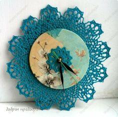 Часы с кружевом крючком Crochet Wall Art, Crochet Box, Crochet Motifs, Crochet Doilies, Clock Art, Diy Clock, Clocks, Crochet Decoration, Crochet Home Decor